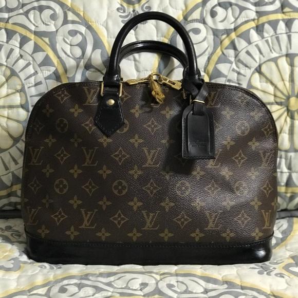 Louis Vuitton Handbags - LOUIS Vuitton Alma PM 60be9e06c49e5